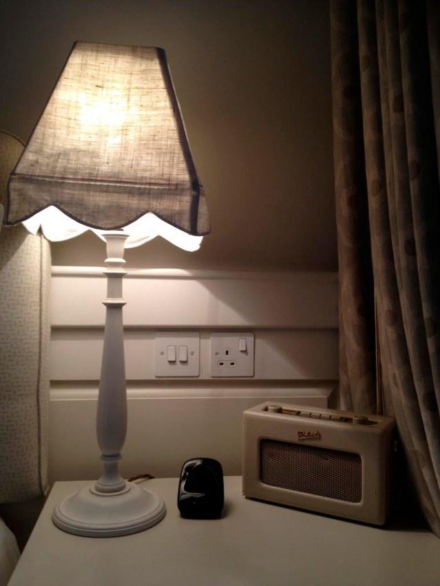 quaint lamp, trendy roberts radio