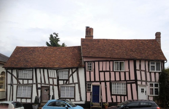 i finally made it to charming, little lavenham. you may notice that these cottages are slightly askew