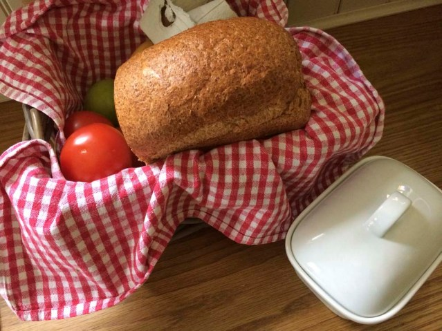 the appetizing grove cottage welcome basket. the bread is a killer