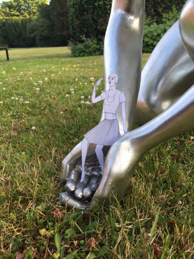 eve is dropped off on the pantiles' lawn by a silver beauty