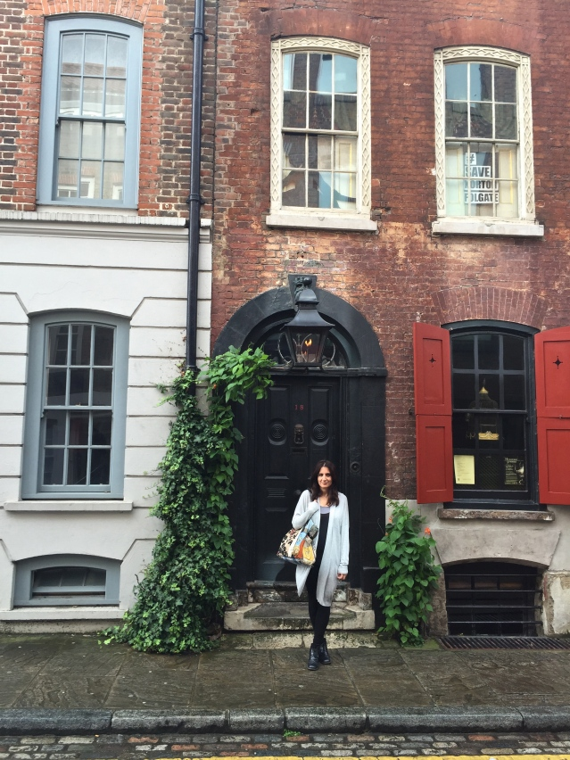 i take my sister to the dennis severs house on folgate street. to go the first time was a dream come true. second time round was simply a dream. of course i hope to go again